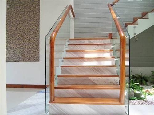 Các kiểu cầu thang gỗ đẹp và hiện đại, nhà có tiền phải làm ngay-2