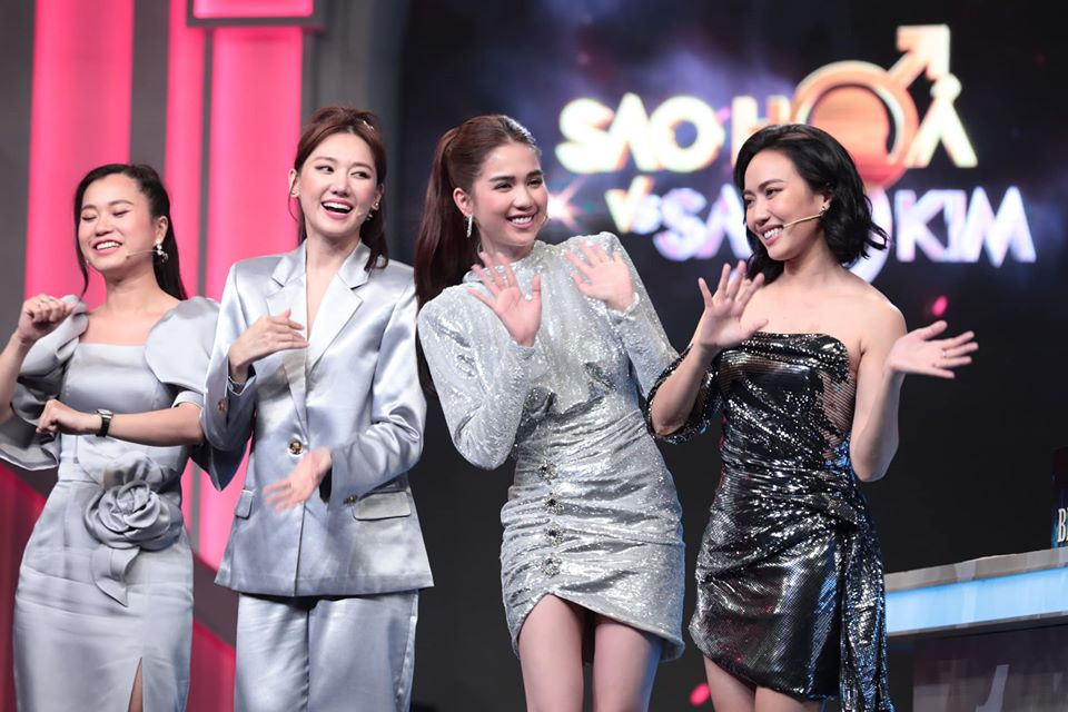 Ngọc Trinh chơi chiêu hack dáng, khiến Hari Won đứng ngay cạnh cũng phải chịu thua khi diện chung set đồ trên sóng truyền hình-4