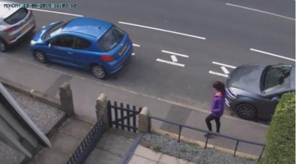 Thiếu niên 17 tuổi kéo thùng rác chứa đựng tội ác của hắn đối với cô giáo trợ giảng được ghi lại trong đoạn clip rợn người-5