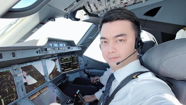 Sau lần hủy hôn năm ấy với giảng viên Âu Hà My, phi công trưởng Hà Duy vẫn là trai độc thân, thành đạt!-1
