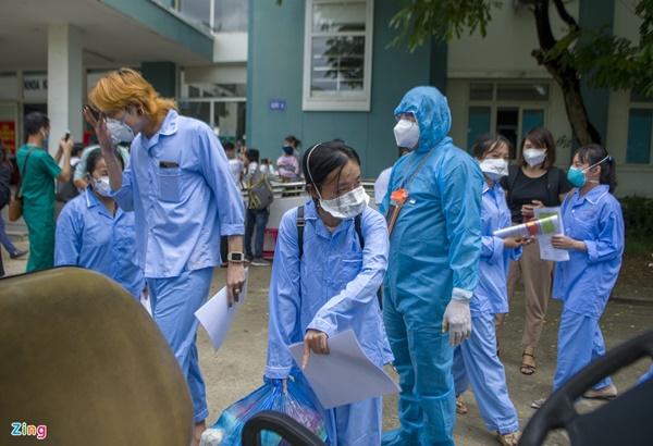 Kỷ lục số bệnh nhân Covid-19 xuất viện trong một ngày ở Đà Nẵng-4