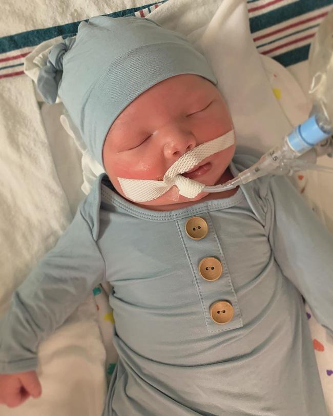 Nghẹn lòng nghe tâm sự của bà mẹ mất con trai 6 ngày tuổi vì em bé bị kẹt vai trong quá trình sinh thường-1