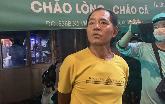 Nhân chứng vụ Camry tông hàng chục xe máy giữa ngã tư Sài Gòn: Ai cũng chảy máu, nữ tài xế sợ hãi vái lạy-6