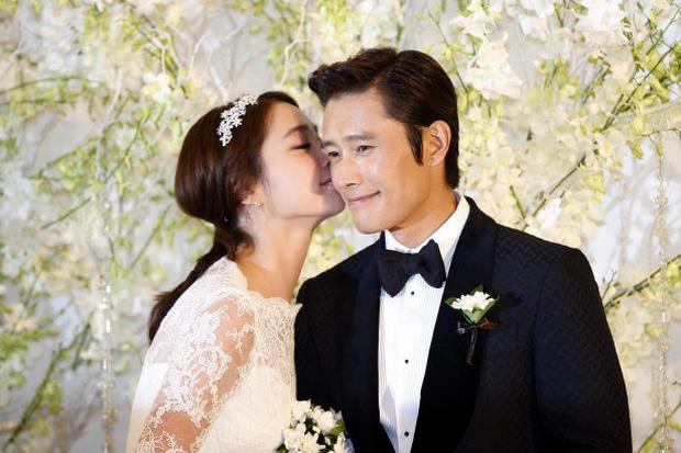 Vụ ngoại tình 97 tỷ chấn động xứ Hàn: Mỹ nhân Vườn Sao Băng bị chồng cắm sừng khi mang bầu, 2 sao nữ tống tiền và cái kết-1