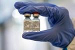 Áo phông in mã QR chứng nhận tiêm vắc xin bất ngờ gây xôn xao-8