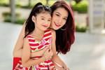Trương Ngọc Ánh khoe ảnh con gái 'thả dáng' bên hồ bơi, đôi chân dài thẳng tắp của bé Bảo Tiên khiến không ít người ngưỡng mộ