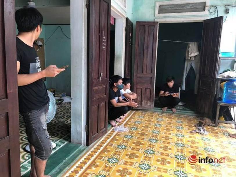Xót lòng nhìn bữa cơm canh rau dại của người lao động nghèo mắc kẹt ở Đà Nẵng-4