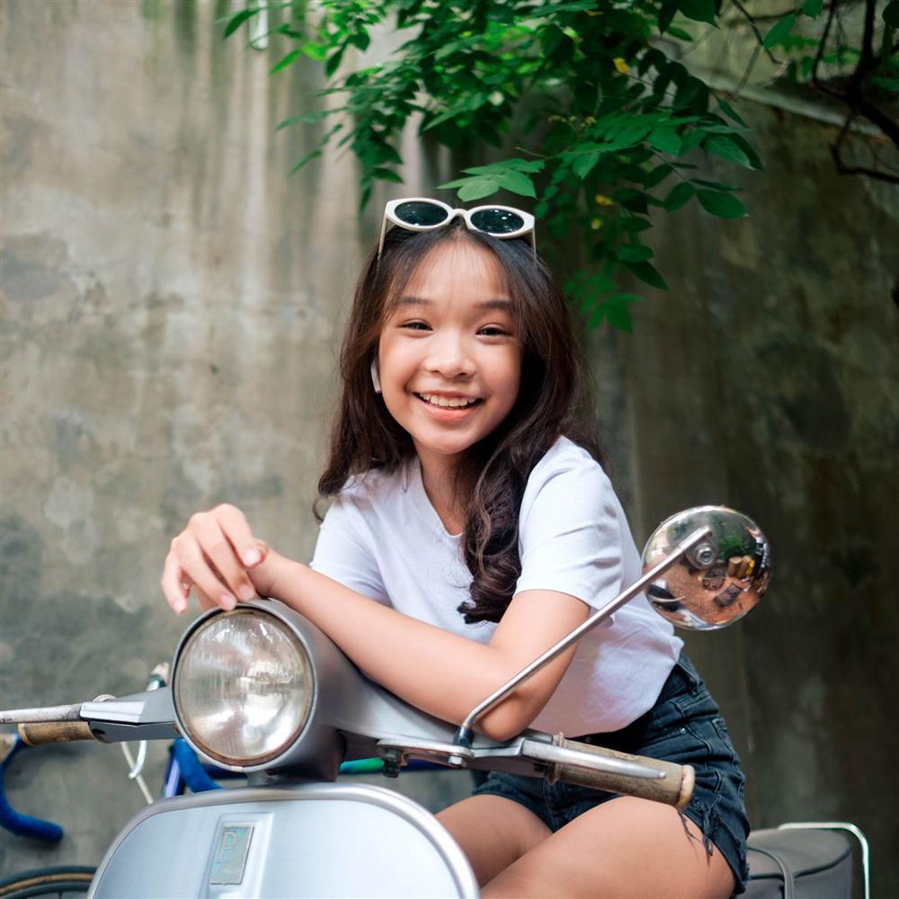 Thiên Thư - tiểu thư 13 tuổi đã có 4 năm làm YouTuber: Ít bạn bè vì nổi tiếng, tự kiếm tiền đóng học phí trường quốc tế-3