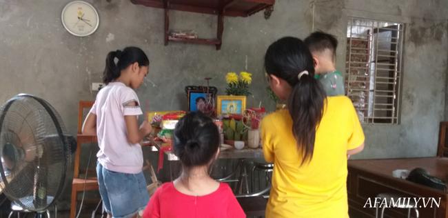 Bố tàn tật sát hại mẹ ngay trước hiên nhà, 5 đứa trẻ bơ vơ hoàn cảnh bi đát-2