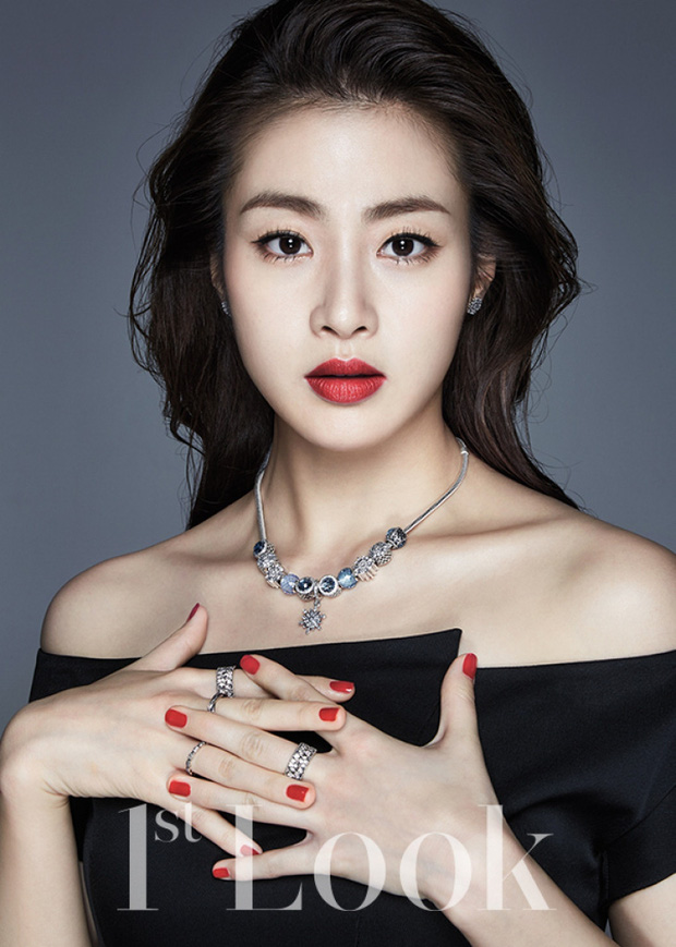 Sau 3 năm chia tay Hyun Bin, Kang Sora bất ngờ thông báo kết hôn, vậy người ấy là ai?-1