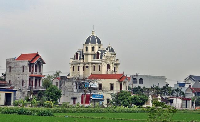 Xã giàu có ở Việt Nam, biệt thự không hiếm, có lâu đài xây 9 năm tốn hàng chục tỷ-2