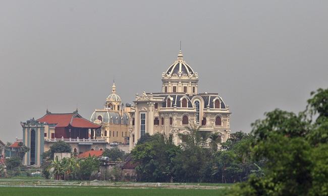 Xã giàu có ở Việt Nam, biệt thự không hiếm, có lâu đài xây 9 năm tốn hàng chục tỷ-3