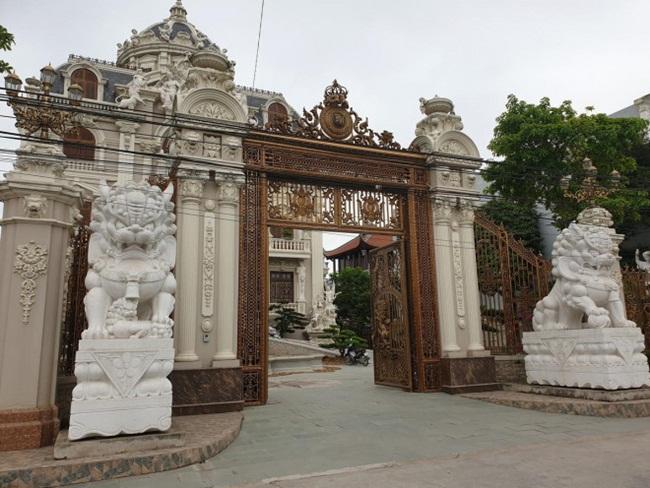 Xã giàu có ở Việt Nam, biệt thự không hiếm, có lâu đài xây 9 năm tốn hàng chục tỷ-6