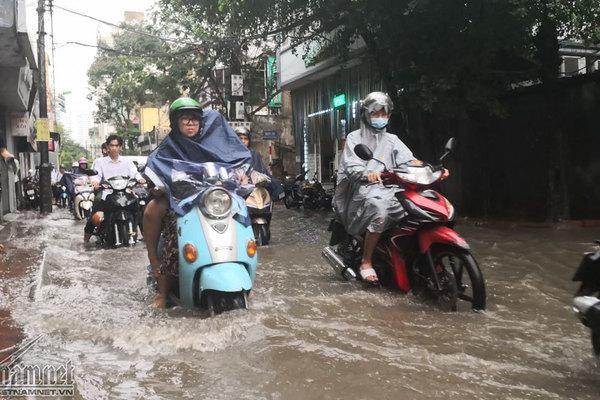 Dự báo thời tiết 18/8, miền Bắc mưa tầm tã, nhiều nơi nguy cơ ngập-1