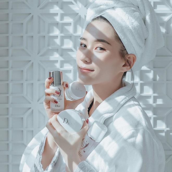 Ái nữ đẹp nhất nhà Vua sòng bài Macau: Mặt nét nào ra nét ấy, makeup đỉnh miễn chê, body cũng xuất sắc tới độ cân mọi style-2