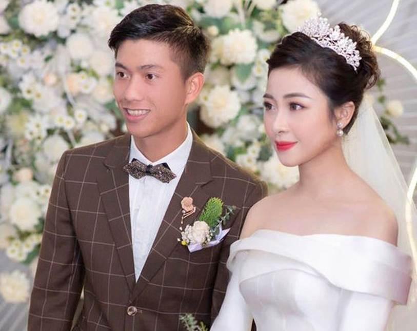 Vừa làm ông bố trẻ được ít lâu, Phan Văn Đức có hành động bất ngờ khiến vợ phải thốt lên vì còn là người chồng tâm lý-2