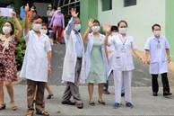 Thêm 1 bệnh viện ở Đà Nẵng được gỡ phong tỏa, các y bác sỹ vỗ tay vui mừng