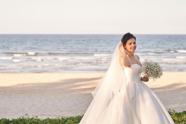 Sau 2 tháng kết hôn với thiếu gia Cocobay, Phanh Lee tiếp tục tung thêm ảnh trong đám cưới bí mật-2