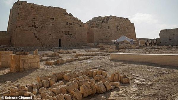Xác ướp đôi nam nữ phủ kín vàng, yên nghỉ cùng nhau 2.000 năm trong đền cổ hé lộ nơi an táng bí mật của nữ vương tài sắc vẹn toàn Cleopatra-5