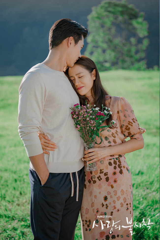 Xôn xao thông tin Hyun Bin - Son Ye Jin sắp thông báo đám cưới, tiết lộ luôn địa điểm tổ chức hôn lễ-2