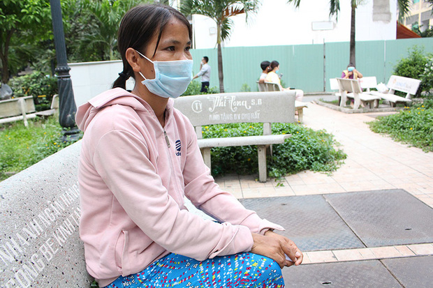 Gia cảnh khó khăn của người đàn ông cầm đầu rắn hổ mang vào bệnh viện cấp cứu: Bị tai nạn giao thông, đi bắt rắn chạy ăn từng bữa-1