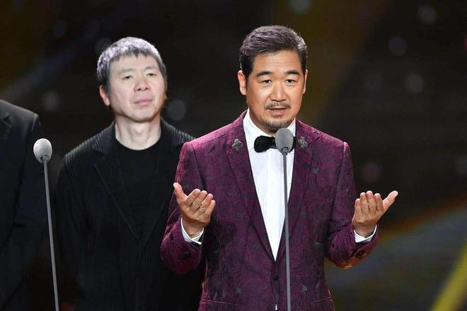 Trương Quốc Lập: Cuộc sống trái ngược với vai Càn Long, tiều tụy vì con cái, làm việc 18 giờ/ngày-6