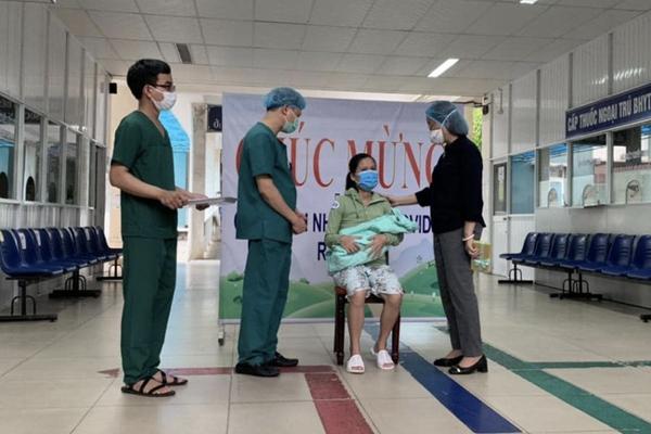 Sản phụ mắc COVID-19 tại Đà Nẵng được công bố khỏi bệnh