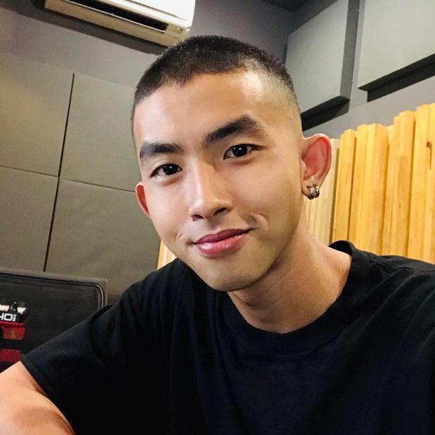 Trai đẹp lộ diện ở tập 5 Rap Việt: Từng đóng nam chính phim điện ảnh, cạo râu cái trông khác hẳn!-5