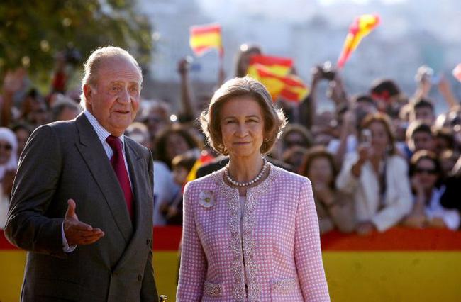 Bê bối hoàng gia Tây Ban Nha: Vua tặng nhân tình hơn 1.700 tỷ đồng nhưng sau 2 năm lại đòi quà và cuộc đấu tố chưa có hồi kết-3