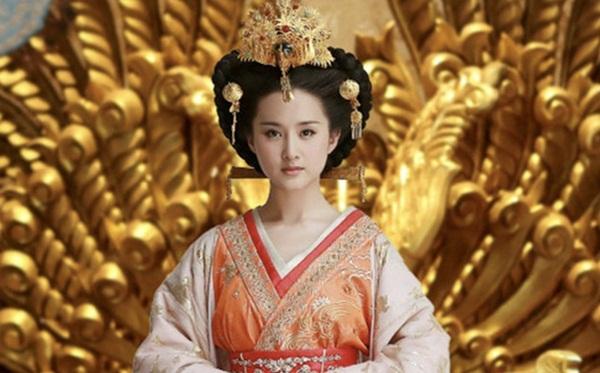 Nữ nhân thăng chức Thái hoàng thái hậu lận đận nhất: Cảm hóa Hoàng đế si tình ái thiếp đã chết, phải hối lộ để cháu nội được lên ngôi báu-1
