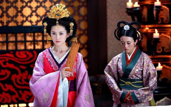 Nữ nhân thăng chức Thái hoàng thái hậu lận đận nhất: Cảm hóa Hoàng đế si tình ái thiếp đã chết, phải hối lộ để cháu nội được lên ngôi báu-2