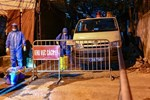 Những shipper áo xanh đi chợ miễn phí giúp người dân Đà Nẵng trong mùa dịch-9