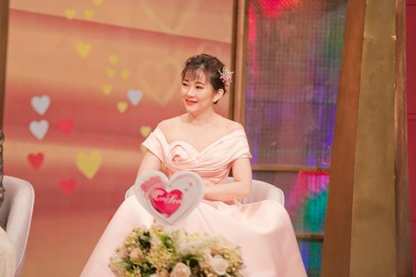 Vợ kém 12 tuổi của Tấn Bo: Hàng xóm nói chồng tôi bê đê-3