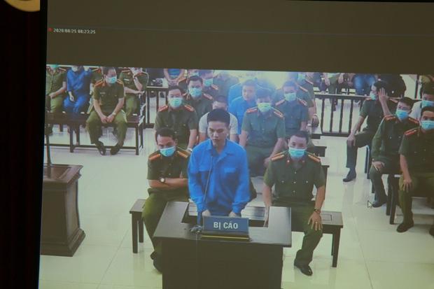 Vợ Đường Nhuệ bật khóc tại phiên xử hành hung phụ xe khách: Tôi rất ăn năn về việc làm của mình, tôi xin lỗi-6