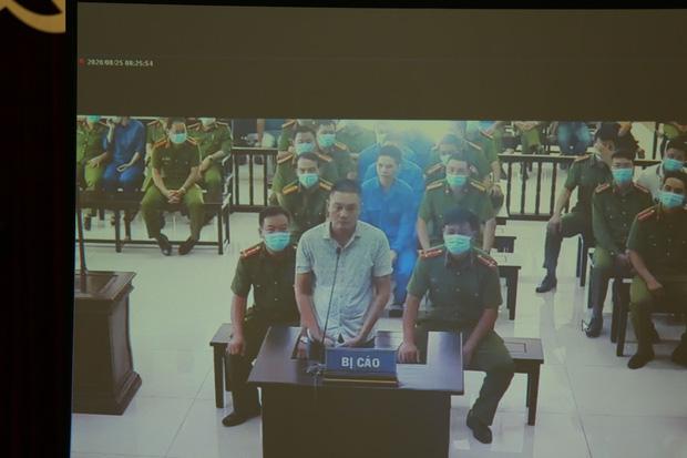 Vợ Đường Nhuệ bật khóc tại phiên xử hành hung phụ xe khách: Tôi rất ăn năn về việc làm của mình, tôi xin lỗi-7
