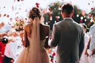 Trước ngày cưới, bạn trai thú nhận từng đánh bạc, hiện còn nợ 170 triệu