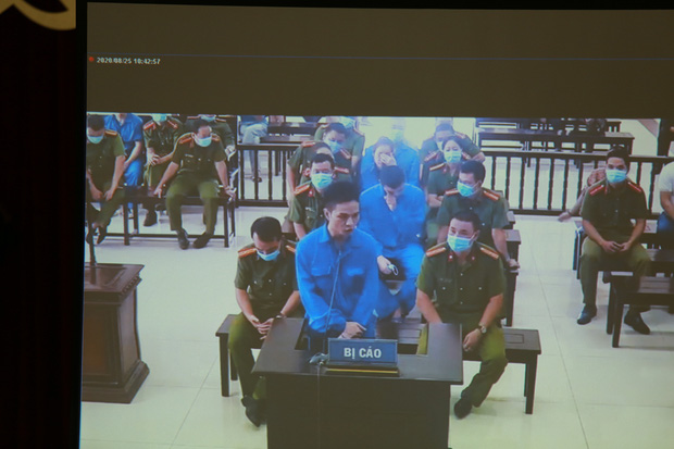 Vợ Đường Nhuệ bật khóc tại phiên xử hành hung phụ xe khách: Tôi rất ăn năn về việc làm của mình, tôi xin lỗi-1
