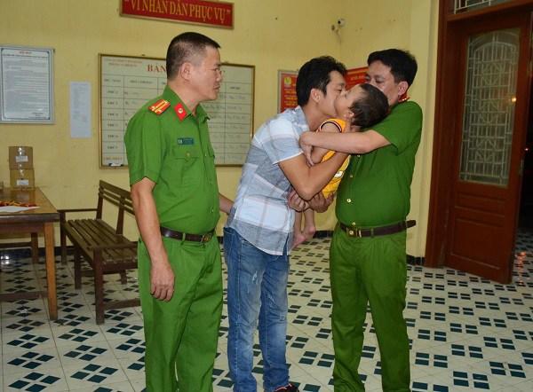"""Tiết lộ sốc"""" vụ bắt cóc ở Bắc Ninh: Khi bị bắt, nữ nghi phạm đang làm chuyện không ngờ-4"""