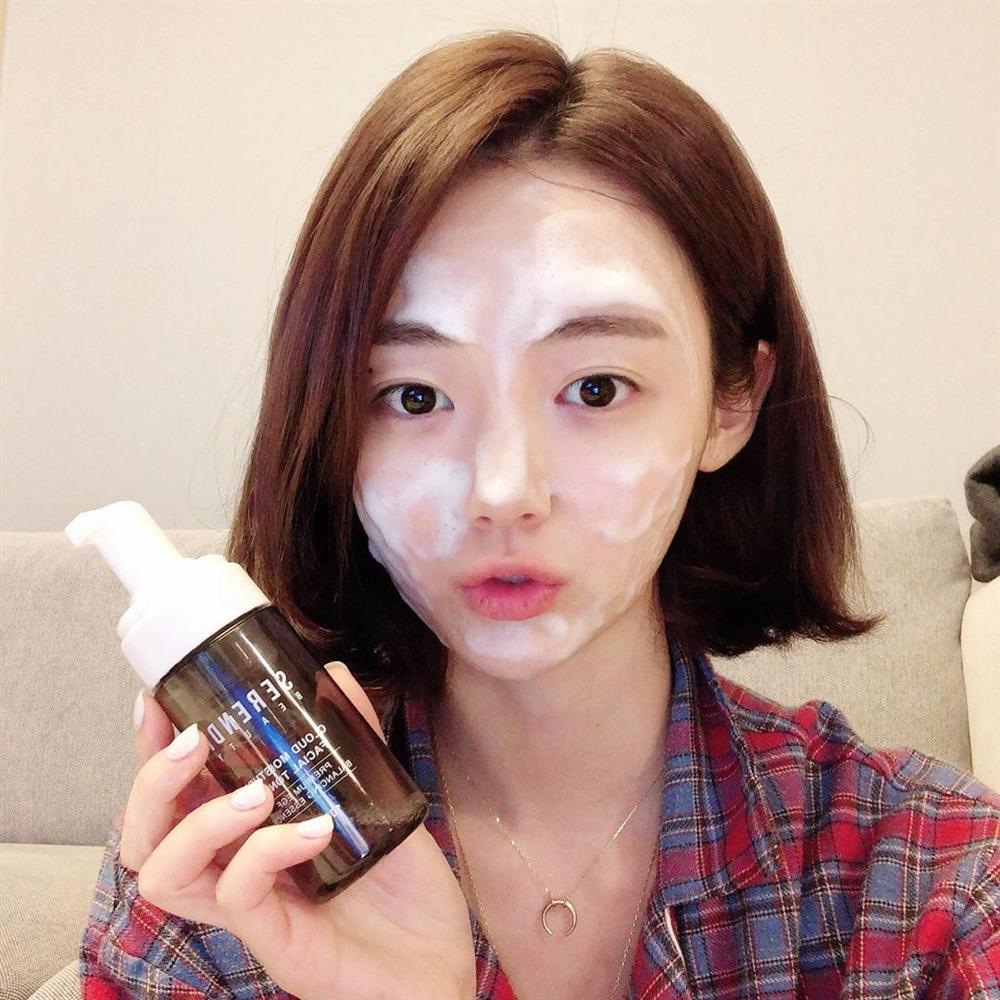 Dưỡng ẩm ngay từ bước làm sạch da theo cách của chuyên gia người Nhật: Chị em làm đúng 6 điều này là da ắt đẹp-3