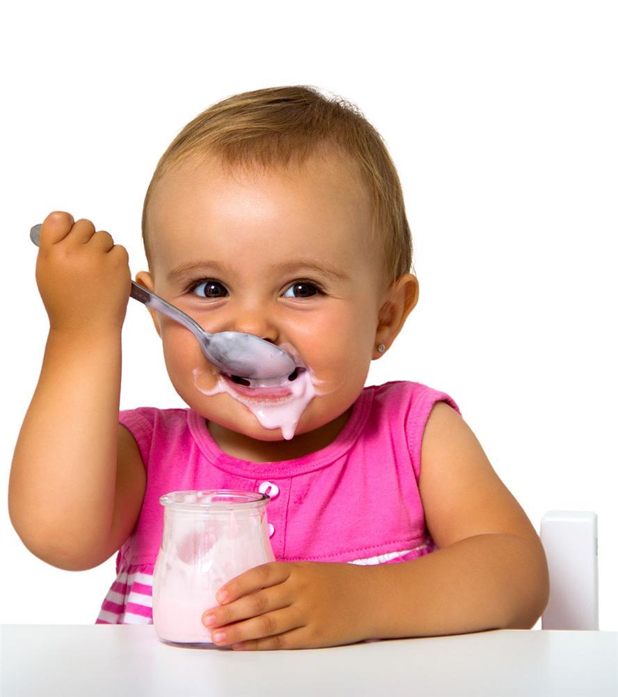 Trẻ mấy tháng ăn được sữa chua? Cho con ăn sai cách vừa vô tác dụng vừa gây hại-2