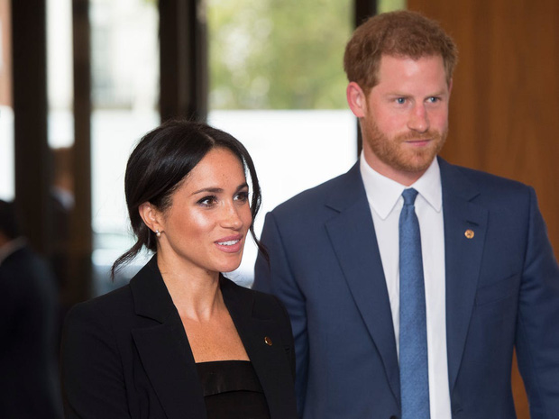 Meghan Markle tái xuất với thần thái rạng rỡ nhưng gây bão dư luận vì lời nói bóng gió về Hoàng gia Anh khi trả lời phỏng vấn-1