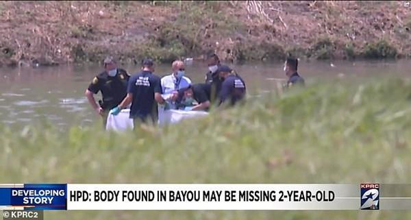 Mẹ bị chỉ trích vì mải nấu đồ ăn khiến con gái 2 tuổi mất tích sau 5 phút chơi một mình, nghi có liên quan đến thi thể cách nhà 30km-3