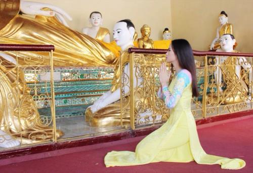 Dù chẳng ai bảo ai nhưng hễ vướng scandal, celeb Việt lại kéo nhau làm việc này-15