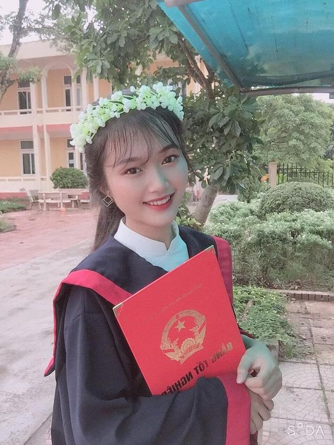 Cô bạn xinh như hot girl đạt 3 điểm 10 thi tốt nghiệp: Bố mất sớm, gia đình cận nghèo, thức học đến 6h sáng-3