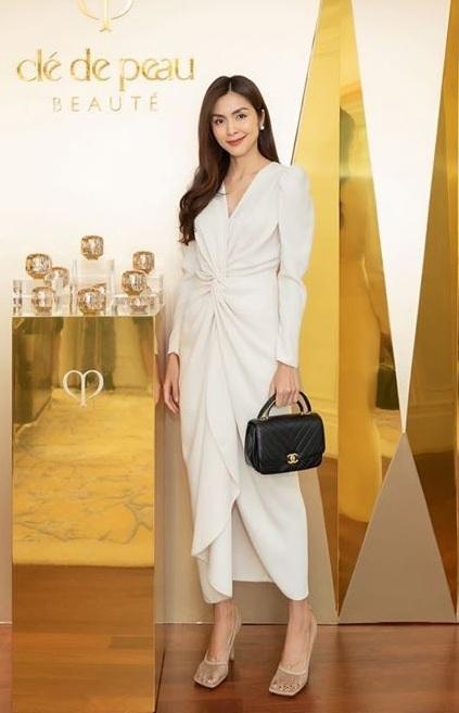 Nhìn Hà Tăng là chị em đã ra cả rổ bí kíp để mặc đẹp từ Hè sang Thu-10