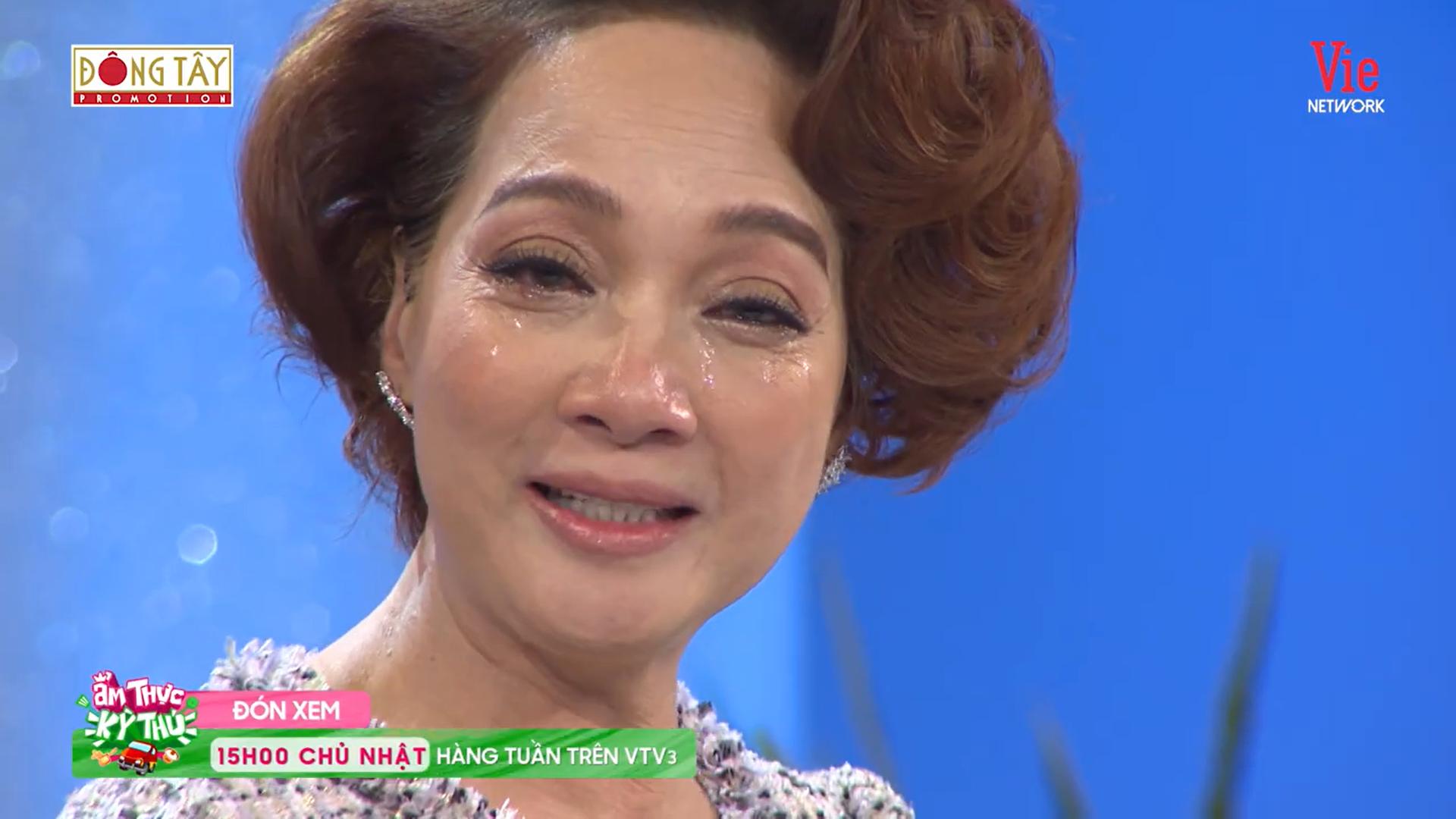 NSND Lê Khanh bật khóc nói về việc sảy thai: Tôi nhìn vào mắt chồng giống như tội đồ-3