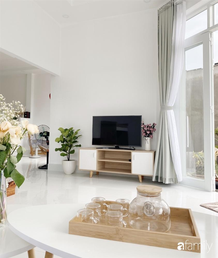 Ngôi nhà màu trắng đẹp như trong phim với tổng chi phí hoàn thiện 600 triệu đồng của cô gái Bến Tre dành tặng ba mẹ-8