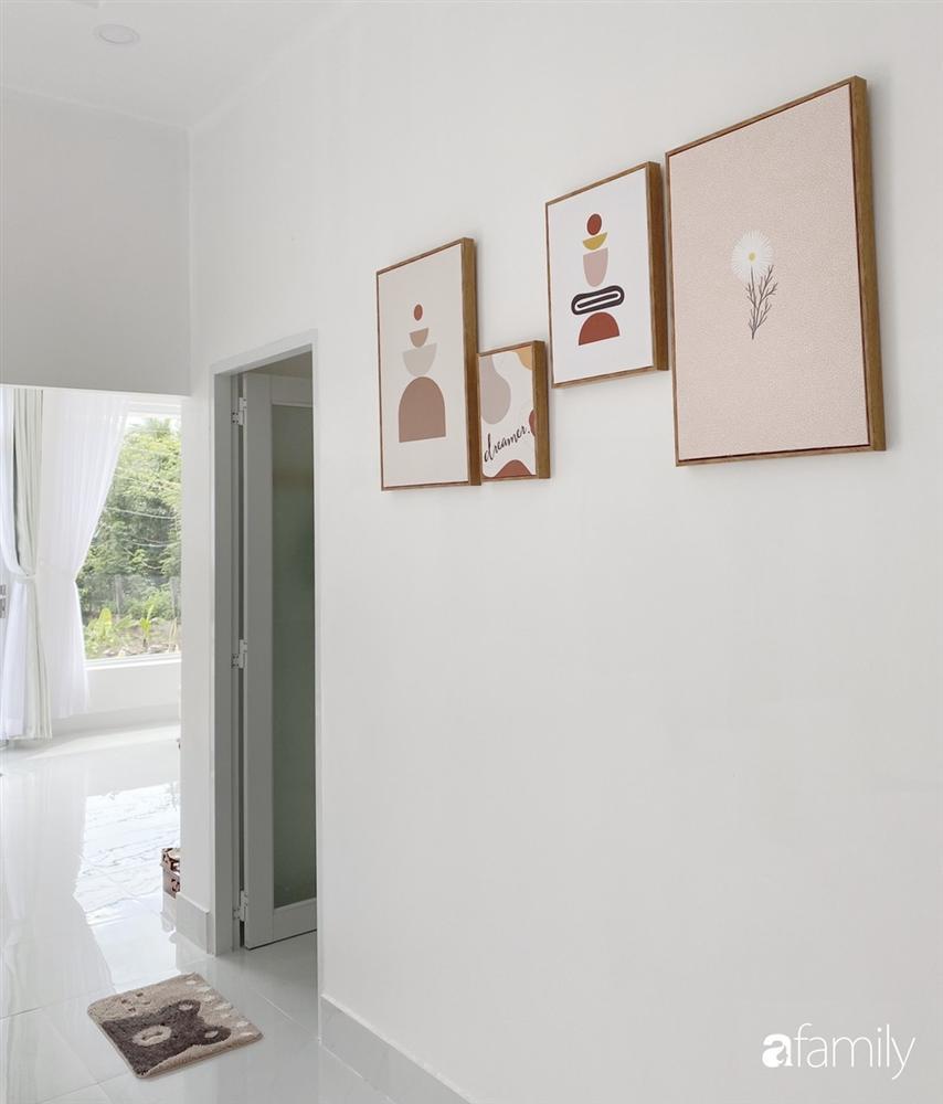 Ngôi nhà màu trắng đẹp như trong phim với tổng chi phí hoàn thiện 600 triệu đồng của cô gái Bến Tre dành tặng ba mẹ-9
