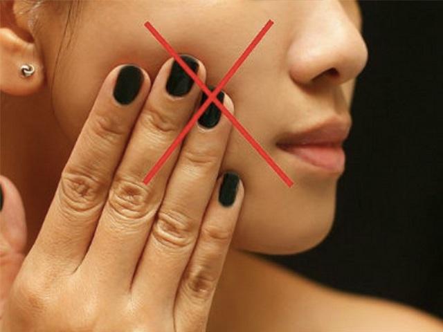 Tuyệt đối không được làm những điều sau, da mặt sẽ xấu đi vì sẹo rỗ-1