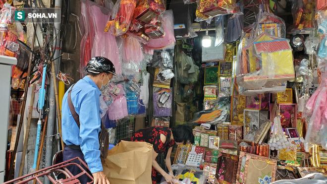 Cảnh tượng chưa từng thấy ở chợ cõi âm nổi tiếng Hà Nội-9